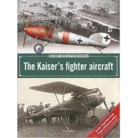 4,The Kaiser`s Fighter Aircraft + Piloten Figur in 1:32